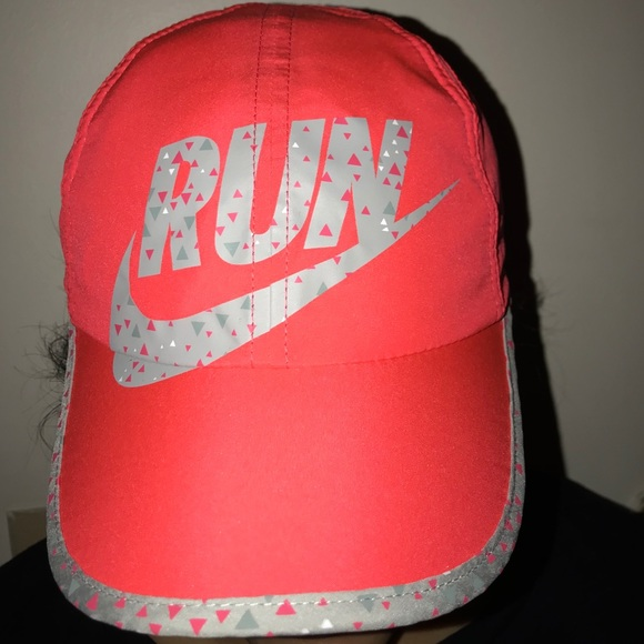 "Women's ""Run"" Nike hat"